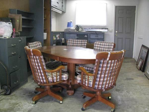 Dining Table plus 5 chairs - $125