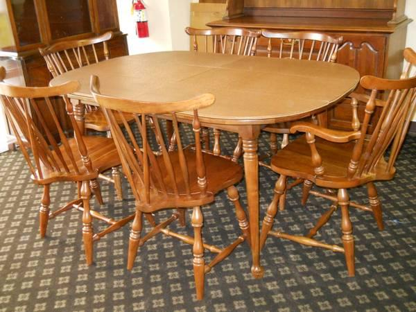 Dining Table W Leaf 6 Chairs And 2pc China Hutch Made