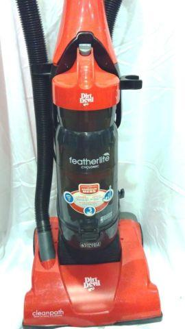 Dirt Devil Featherlite Bagless Cyclonic Vacuum For Sale In