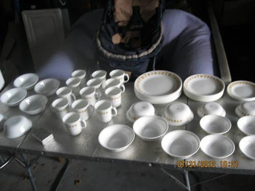 Discontinued Corelle Butterfly Gold Dishes for Sale in Brooksville ...