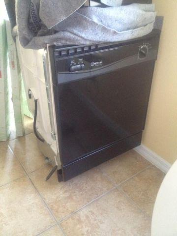 DISHWASHER MAYTAG PERFORMA - BLACK - BARELY USED