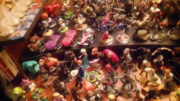 DISNEY INFINITY (make offer) (BIGGEST BUNDLE) 1.0, 2.0,