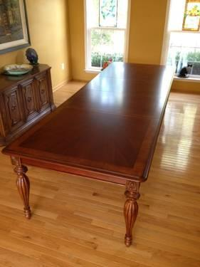 Domain Furniture Dining Table Chairs And Free Table Pads For Sale - Table pads for sale