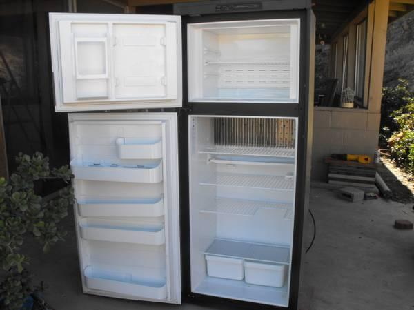 Rv Refrigerator For Sale >> Dometic Rm 2852 Rv Refrigerator Like New Condition For Sale In