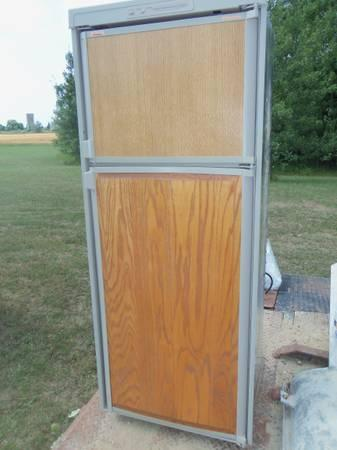 Rv Refrigerator For Sale >> Dometic Rm2852 Refrigerator
