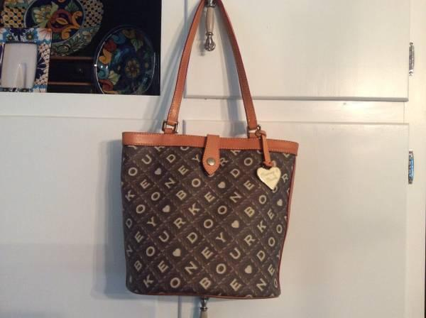 DOONEY BOURKE handbag Brown - $75
