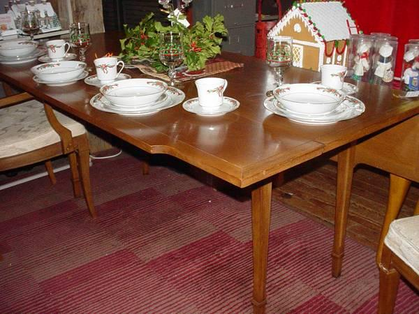 DREXEL DINING ROOM TABLE WITH 6 CHAIRS - $300