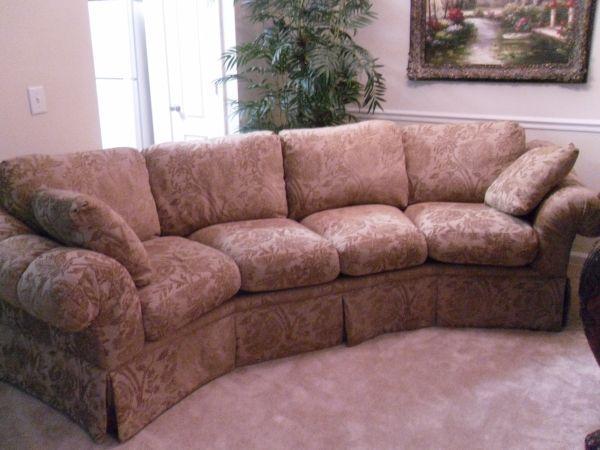 Drexel Heritage Sofa   $650 (Charlotte)