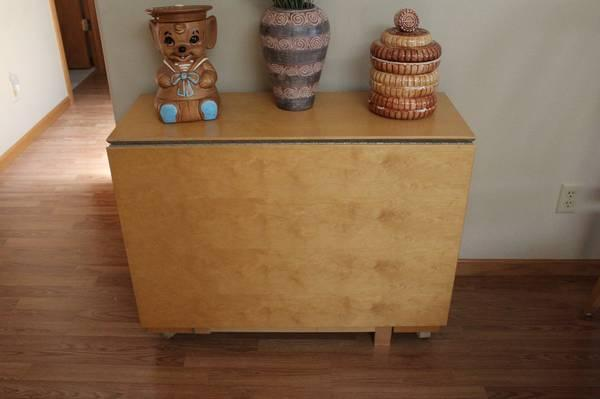 Drop Leaf Table With Storage Excellent For Sale In Indian Creek, Iowa