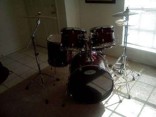 drum set full 5 piece with cymbals stands and more for sale in garland texas classified. Black Bedroom Furniture Sets. Home Design Ideas