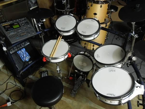 drum set blow out sale cymbal snare stand sticks heads for sale in omaha nebraska classified. Black Bedroom Furniture Sets. Home Design Ideas