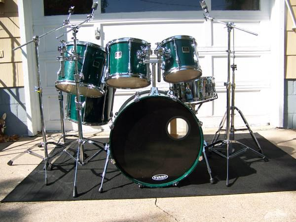 Drums-Yamaha Stage Custom 6 piece drumset - for Sale in Clintonville ...