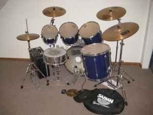 Drumset - Blue Tama Rockstar  Accessories - $600 Leavenworth