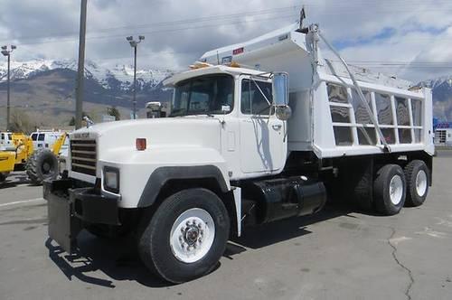Mack Trucks Automatic : Dump truck mack wheel automatic aux hydraulics yd