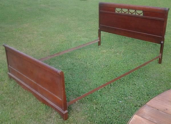 Duncan Phyfe Style Double Bed For Sale In Lena Illinois