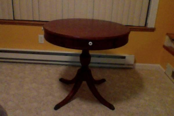 Duncan Phyfe Round Table With Drawer.Duncan Phyfe Vintage Drum Table 75