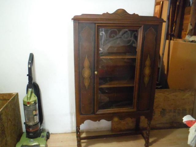 Early 1900 S China Hutch By Grunbaum S Furniture Co For