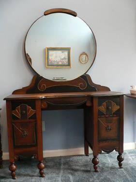 Early antique vanity dresser with round mirror estate for Antique vanity with round mirror