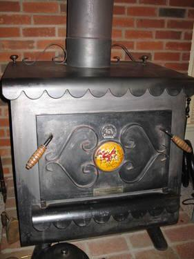 Earth Burning Cast Iron Wood Stove