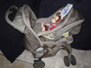 Eddie Bauer stroller car seat combo with extra car base - for Sale ...