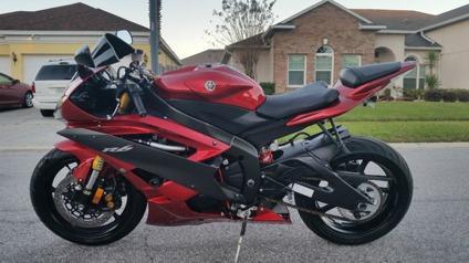 edfgv 2007 Yamaha R6 - Red - Black - Beautiful Motorcycle