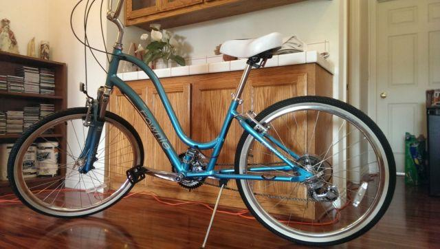 Electra Townie 21D Bicycle, Almost New, Only Ridden