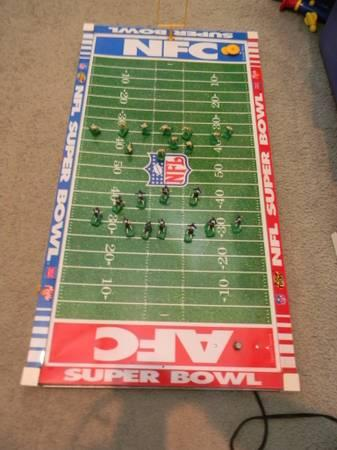 ----Tudor Electric Football Game - 1997 - Super Bowl Packers Broncos - $20