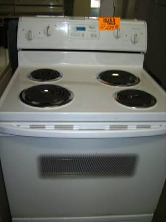*** ELECTRIC STOVE *** WHITE *** CLEAN *** WORKS GREAT