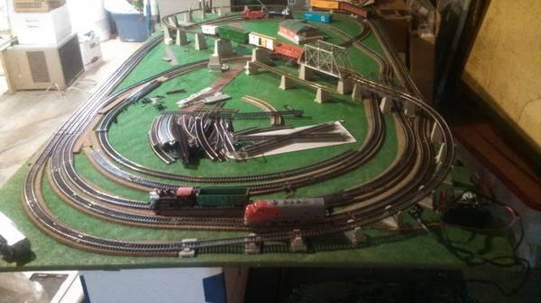 Electric Trains And Table For Sale In Youngstown Ohio