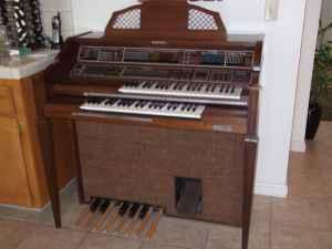 Baldwin Organ Models http://fresno-ca.americanlisted.com/music-instruments/electric-organ-baldwin-1100-bo_19387245.html