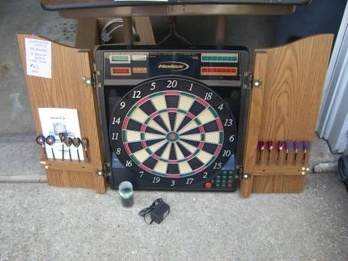 Electronic Dartboard in Cabinet, 28 games w/ Sound - Excl cond