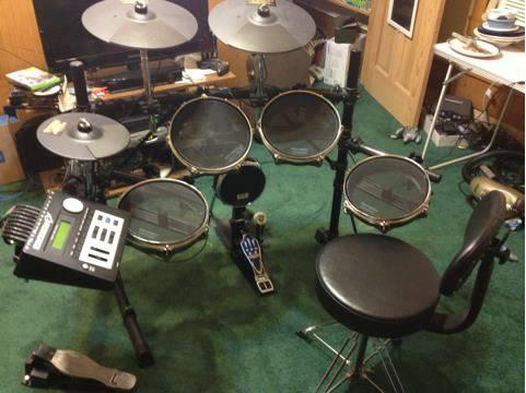 Electronic drum kit - Pintech EZ V2 - $750