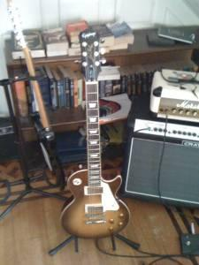Epiphone Les Paul Standard +hardcase, stand & Wallhanger