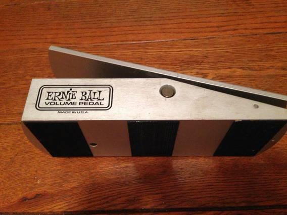 ernie ball electric guitar volume pedal for sale in cincinnati ohio classified. Black Bedroom Furniture Sets. Home Design Ideas
