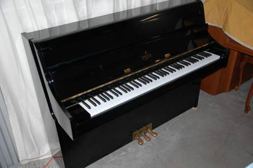Essex (by Steinway) Upright Piano
