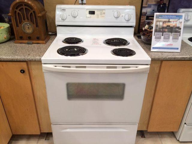 Estate White Electric Range Stove Oven Used For Sale In