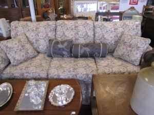 Ethan Allen Couch PERFECT CONDITION - $300
