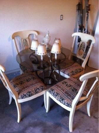 Ethan Allen Dining Table Set With 4 Chairs And