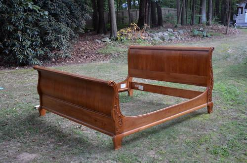 Ethan allen king size sleigh bed with great woodwork for Ethan allen king size beds