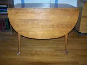 Ethan Allen Maple drop leaf table NEW PRICE! - $75
