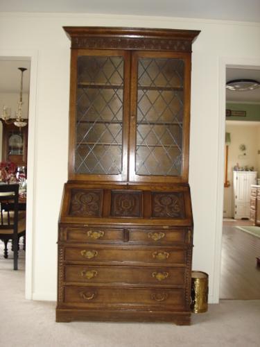 Ethan Allen Royal Charter Dark Oak Collection Desk And