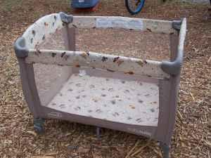 Evenflo Portable Play Yard Pack N Play Crib Safari