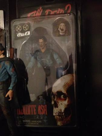 Evil Dead  Army of Darkness Action Figures, Art, Wearable Chainsaw
