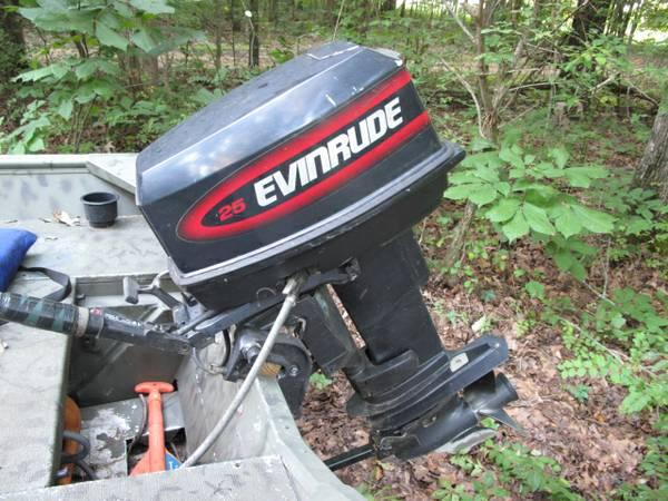 Evinrude Outboard Motor 25 Hp Boat In West Point Ms