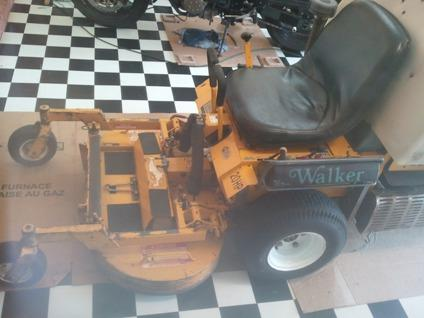 Excellent Condition Lawn Mower