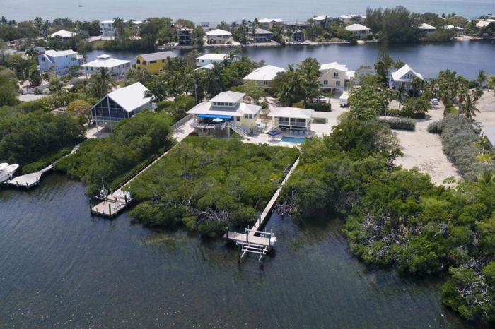 Exclusive Bayfront Home
