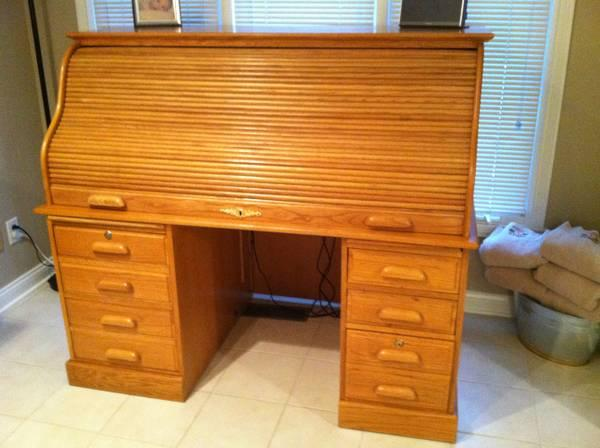 extra large solid oak roll top desk for sale in noblesville indiana classified. Black Bedroom Furniture Sets. Home Design Ideas