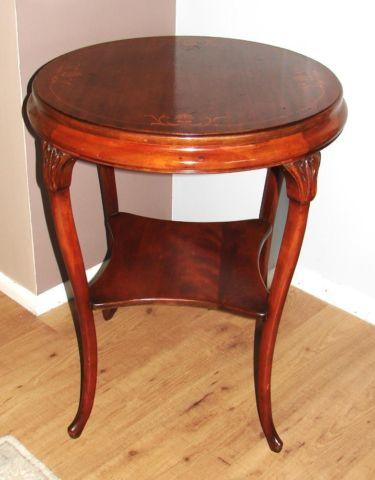 FABULOUS 19TH CENTURY FRENCH ROUND PARLOR TABLE