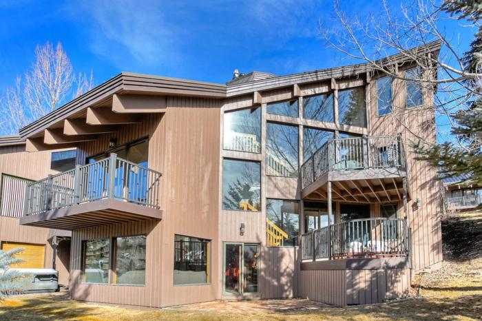 Fabulous and Sunny Deer Valley Mountain Townhome with