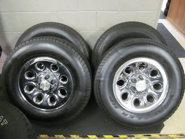 FACTORY 17 CHEVY WHEELS WITH GOODYEAR WRANGLER HP 265-70-17 TIRES - $550